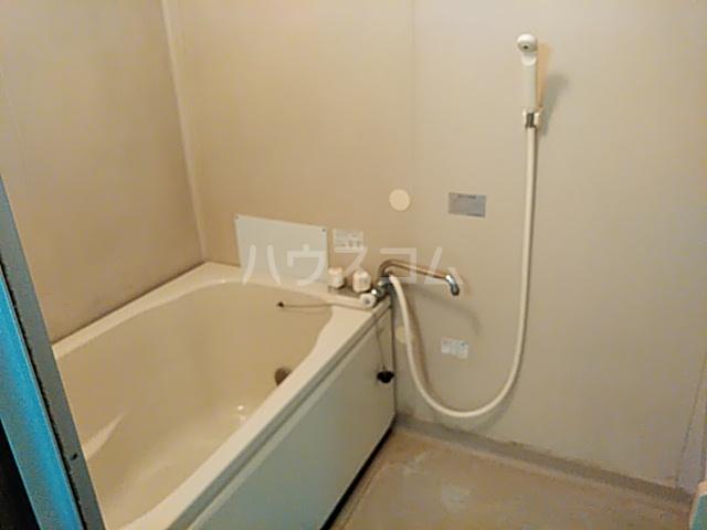 カトレアハイツ 202号室の風呂