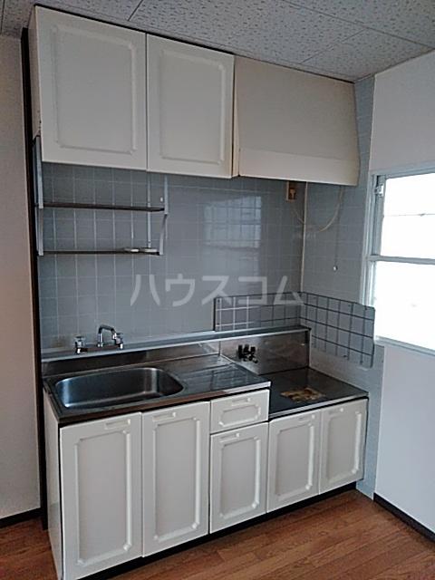 レスタチオン壱番館 102号室のキッチン