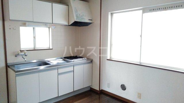 マリンコート7番館 105号室のキッチン
