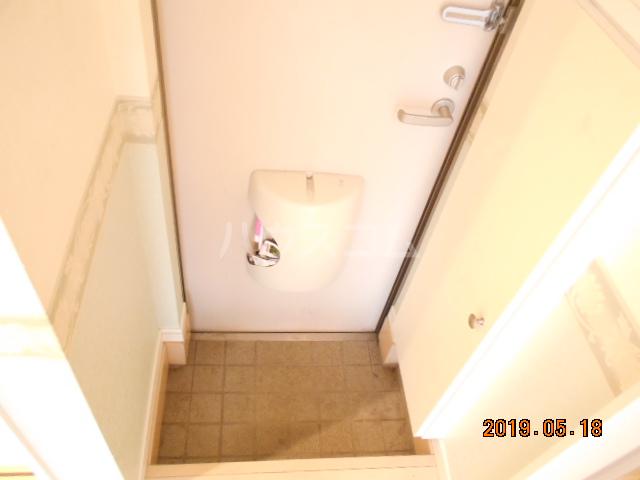 コラーレ二俣川 102号室の玄関