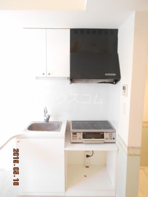 コラーレ二俣川 102号室のキッチン