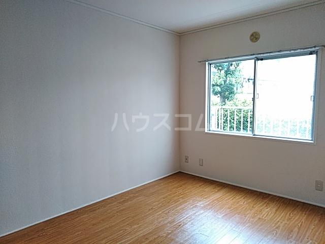 瀬谷レジデンス 105号室の居室