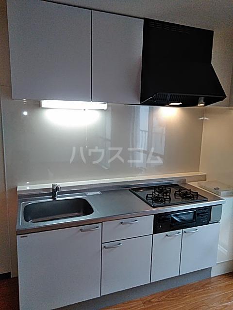 瀬谷レジデンス 105号室のキッチン