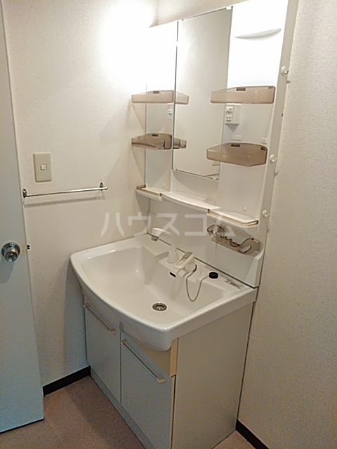 瀬谷レジデンス 105号室の洗面所