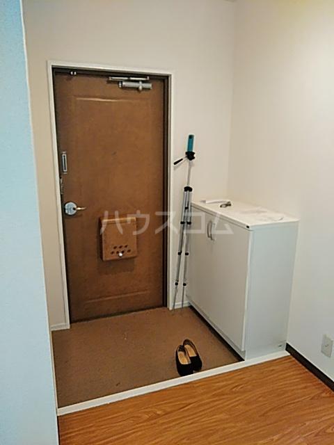 瀬谷レジデンス 105号室の玄関