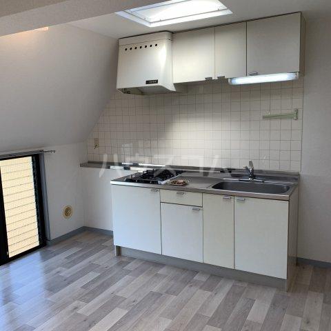 緑園都市リルターラックスマンション壱番館 303号室のキッチン
