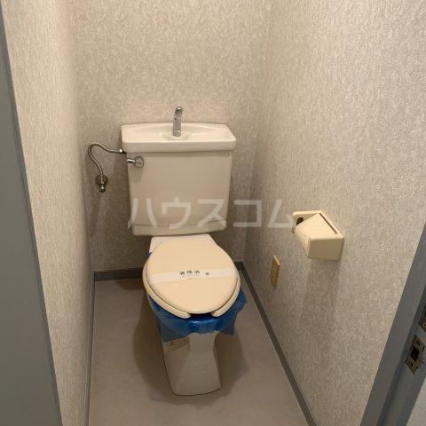 緑園都市リルターラックスマンション壱番館 303号室のトイレ
