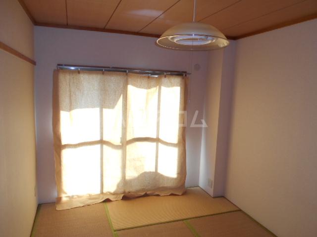 グランベールヨシミ 202号室の居室