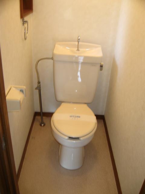 ウイングライフ B101号室のトイレ