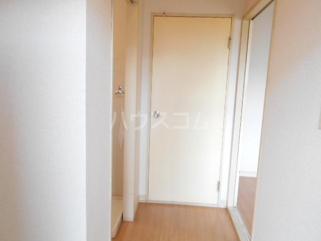 オプティハイツA 101号室の玄関