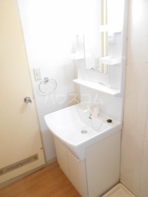 オプティハイツA 101号室の洗面所