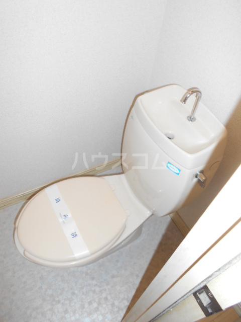 オプティハイツA 101号室のトイレ
