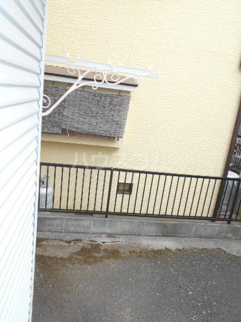 オプティハイツA 101号室のバルコニー