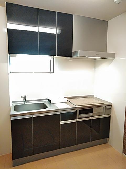 ソレイユB 103号室のキッチン