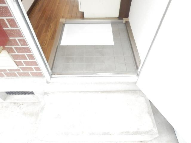 ドリームハイツ 101号室の玄関