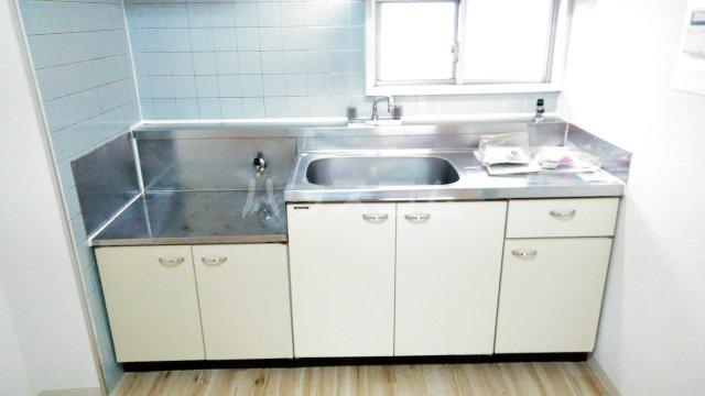 ビレッジハウス川井宿5号棟 404号室のキッチン