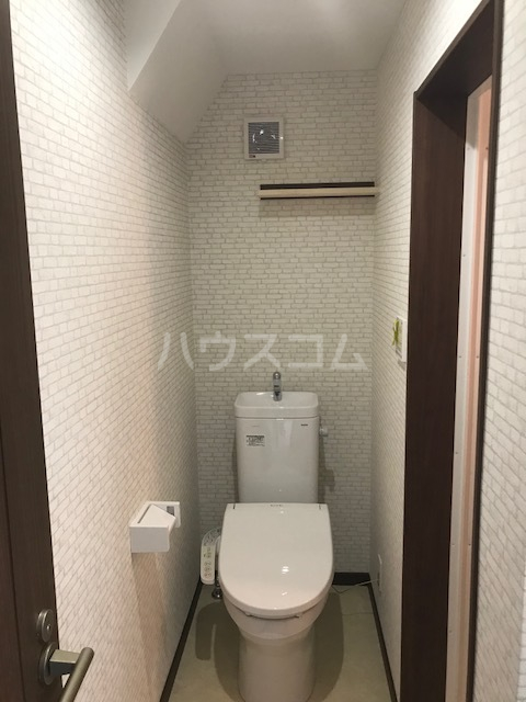 メテオール上星川 104号室のトイレ