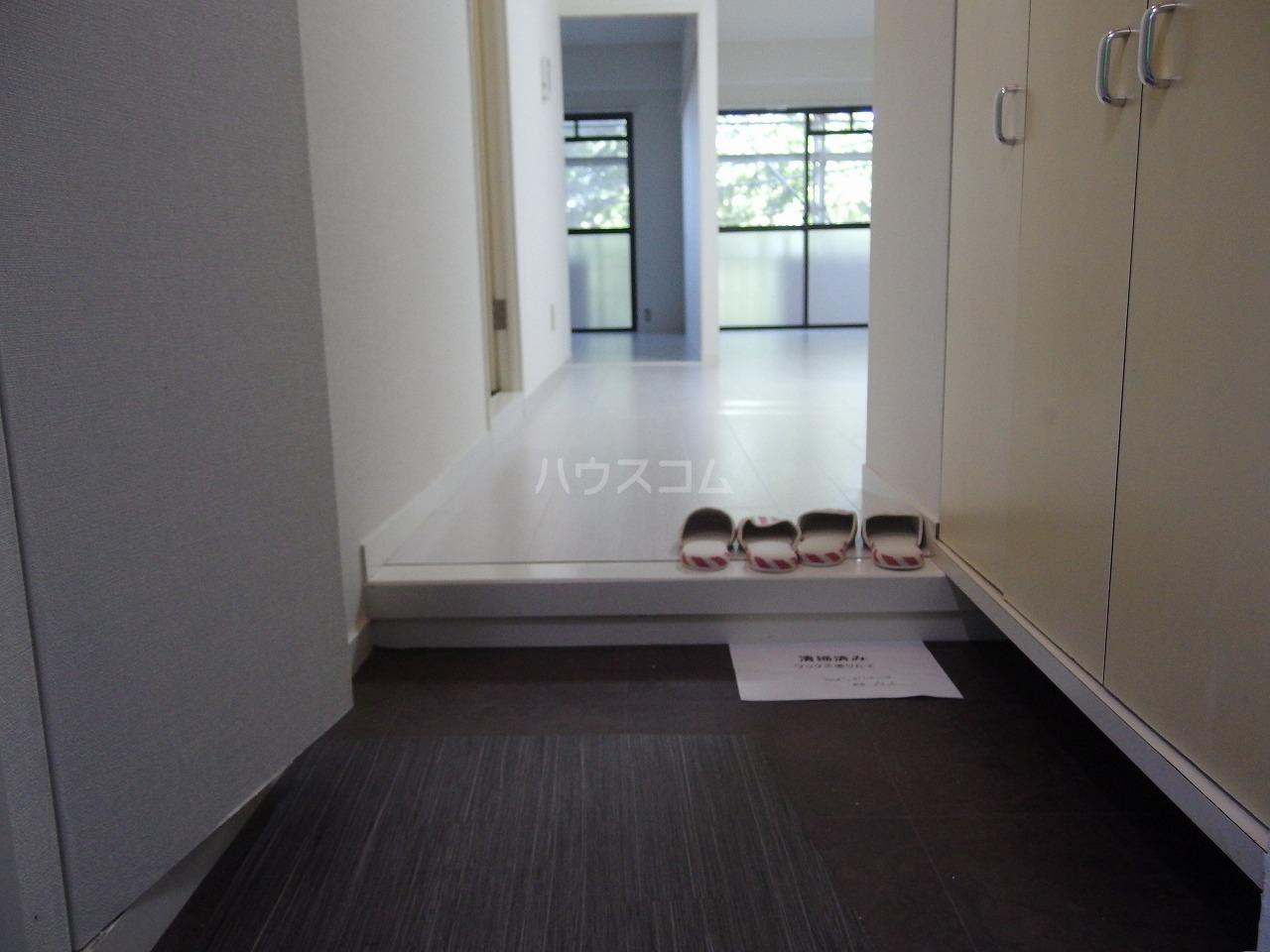 スターライトヴィラ2 205号室の玄関