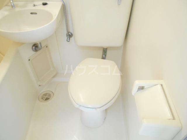 フラット87 105号室のトイレ