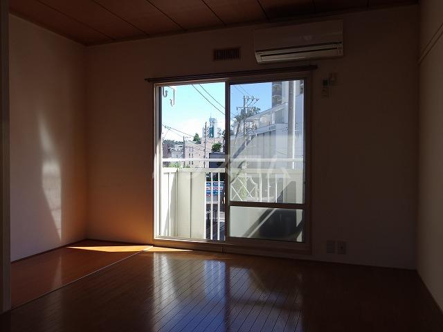 ピアシティナカムラ 203号室の居室