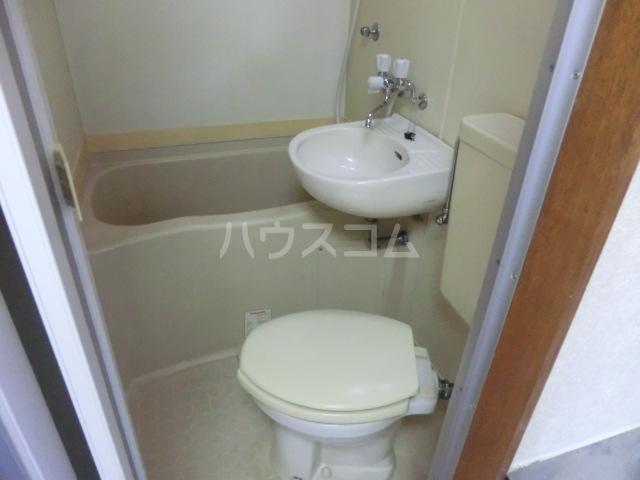 フラット桜ヶ丘 303号室のトイレ