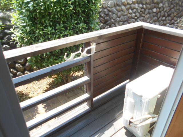 コートビレッジ桜ヶ丘パートⅡ A103号室のバルコニー