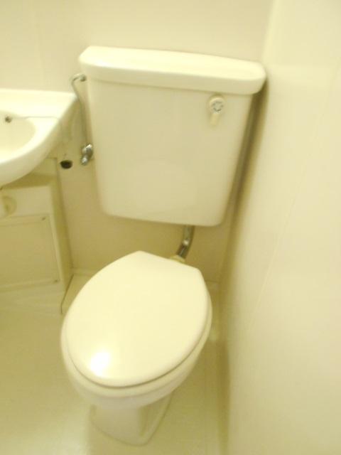 コートビレッジ桜ヶ丘パートⅡ A103号室のトイレ