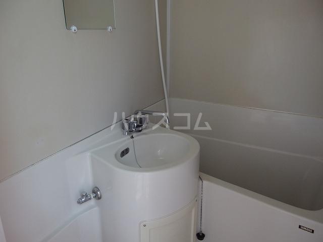 コートカメリア 206号室の風呂