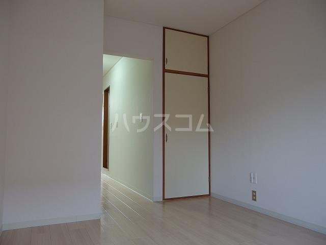 コートカメリア 206号室の居室