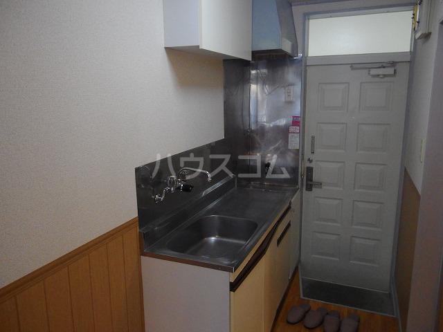 フロムココ 1D号室のキッチン