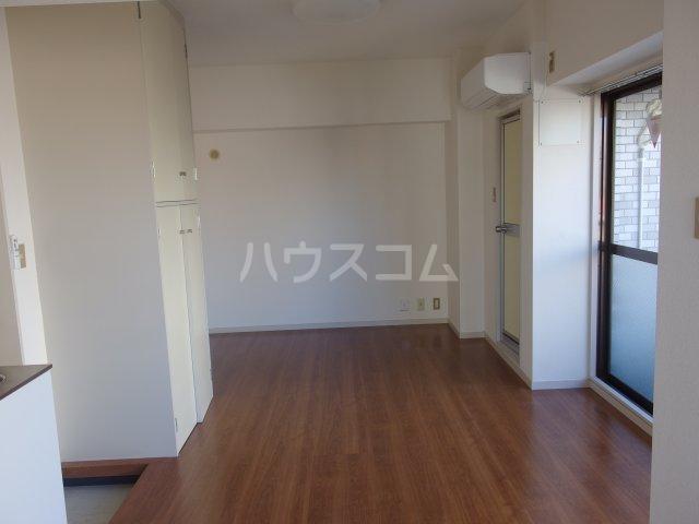 ラトゥールアンフィニ 601号室の居室