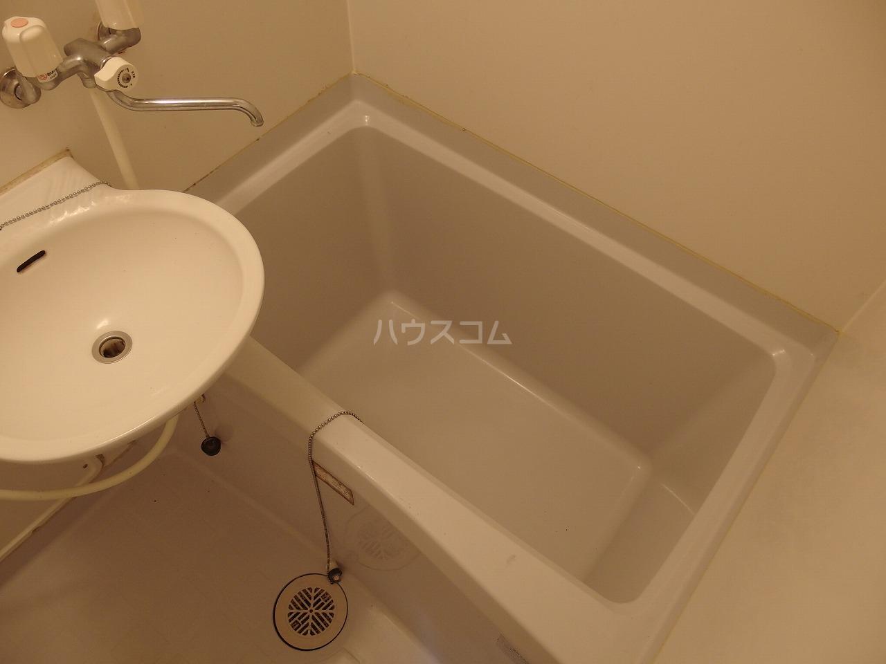 ヴランドール桜ヶ丘 304号室の風呂