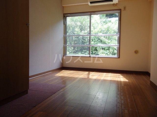 ヴランドール桜ヶ丘 306号室の居室