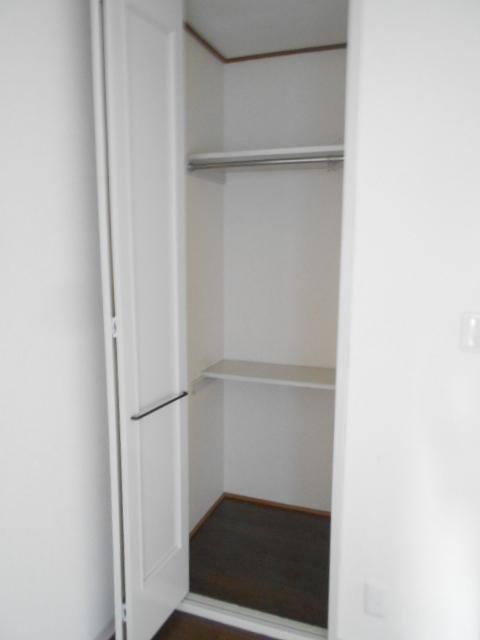 メゾン コリーナ 203号室の収納