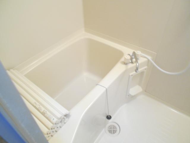ソミュール百草Ⅰ 102号室の風呂