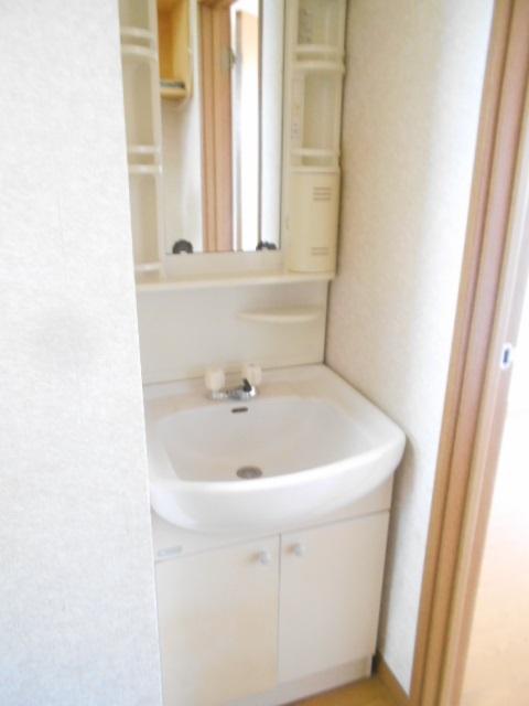 ソミュール百草Ⅰ 102号室の洗面所