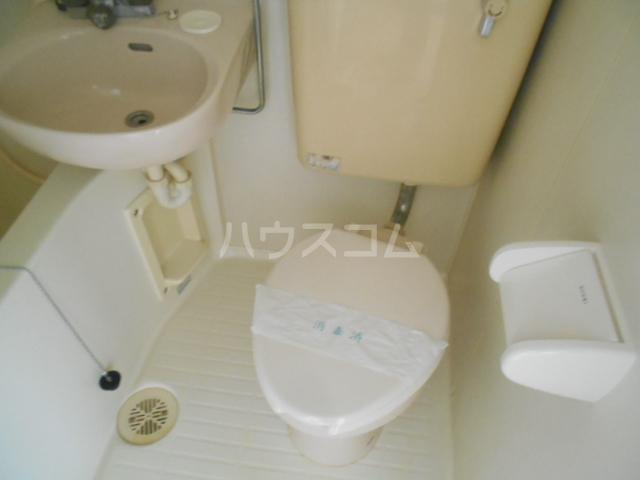 ストークマンション小礒2 202号室のトイレ