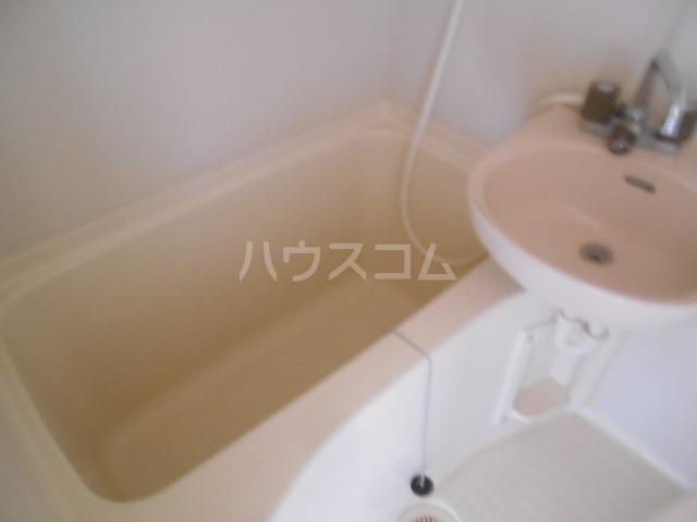 ストークマンション小礒2 202号室の風呂
