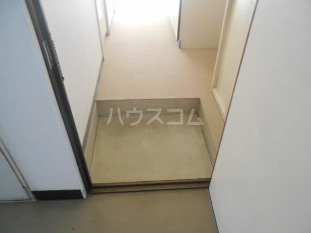 ストークマンション小礒2 401号室の玄関