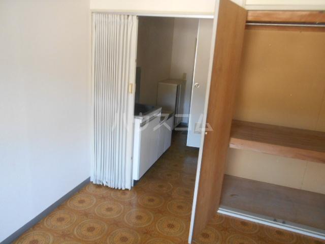 ストークマンション小礒2 407号室の居室