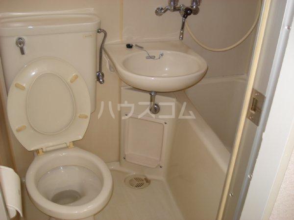 ラ・ジオン連光寺 301号室の洗面所
