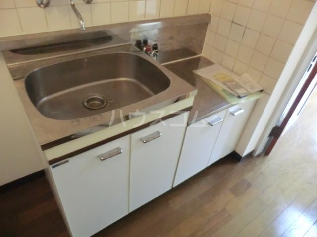 ラ・ジオン連光寺 301号室のキッチン