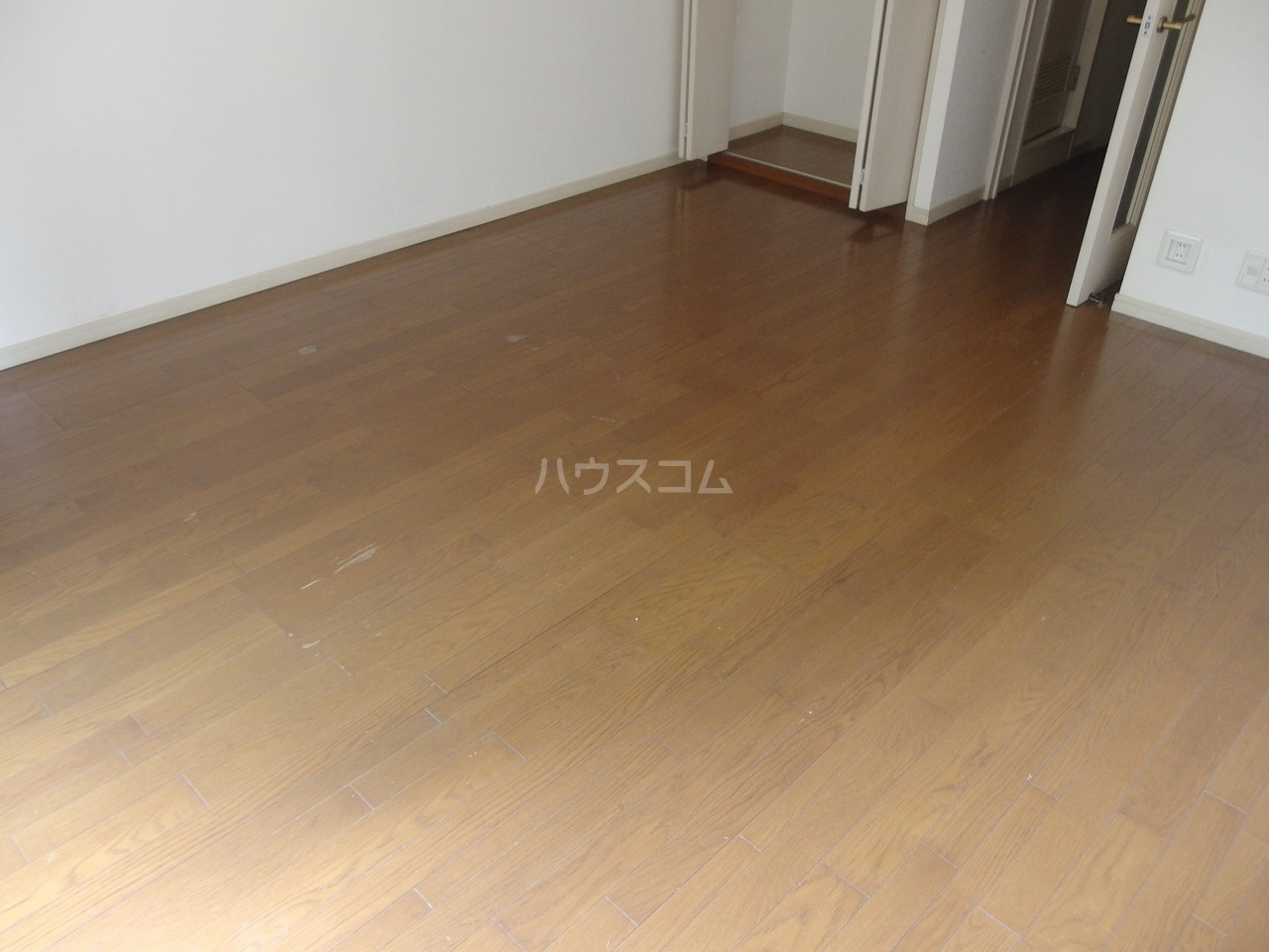 ライオンズシティ聖蹟桜ヶ丘 111号室の居室