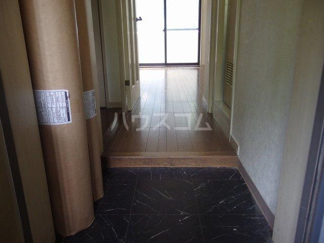 ライオンズシティ聖蹟桜ヶ丘 111号室の玄関