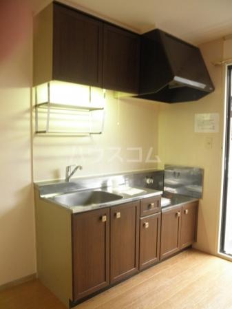 グランドール 101号室のキッチン