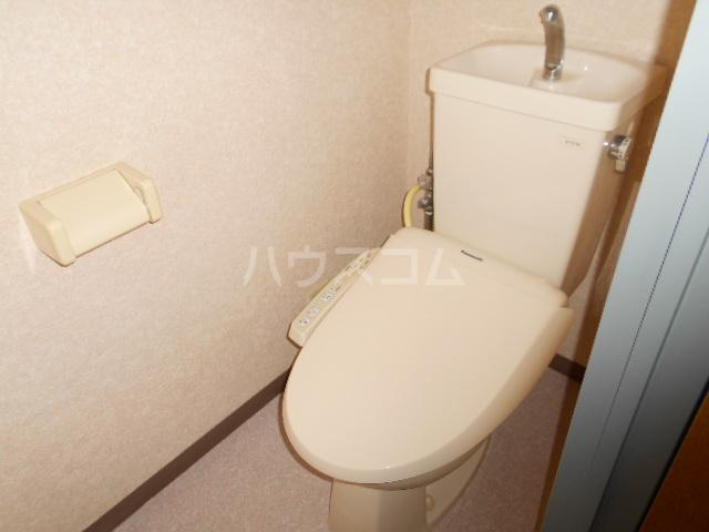 ベルメゾン住吉第3 101号室のトイレ
