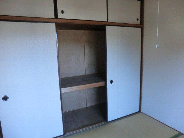 キャッスル第3 302号室の収納