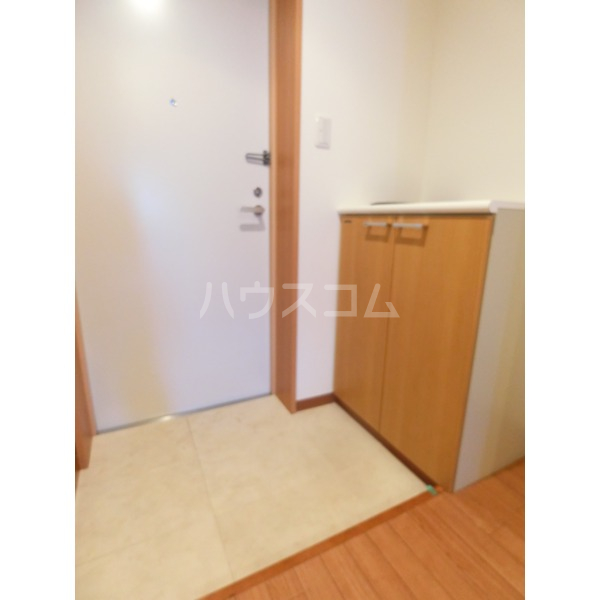 ROXY TAKAHATA 2411 105号室の玄関