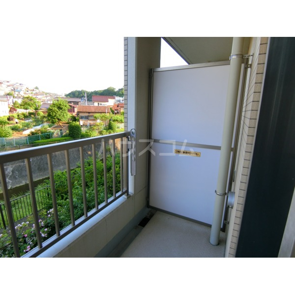 ROXY TAKAHATA 2411 105号室のバルコニー