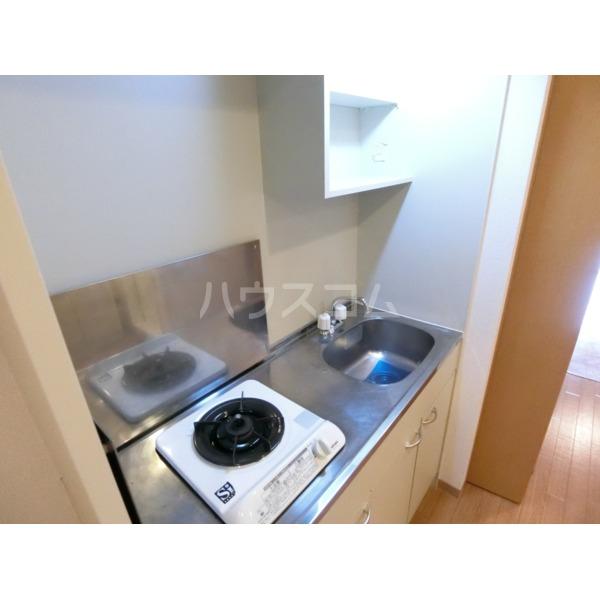 ROXY TAKAHATA 2411 105号室のキッチン